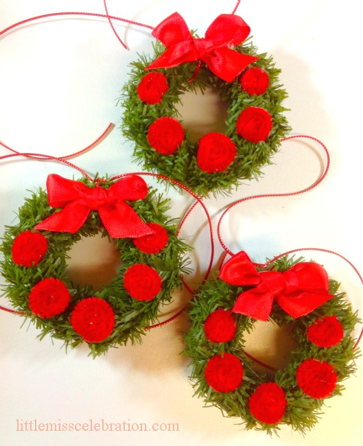 DIY Quick and Easy Wreath Package Toppers