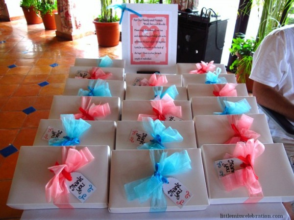 table of favor boxes