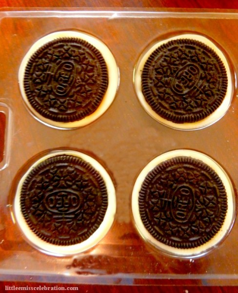 Placing the Oreos in the mold
