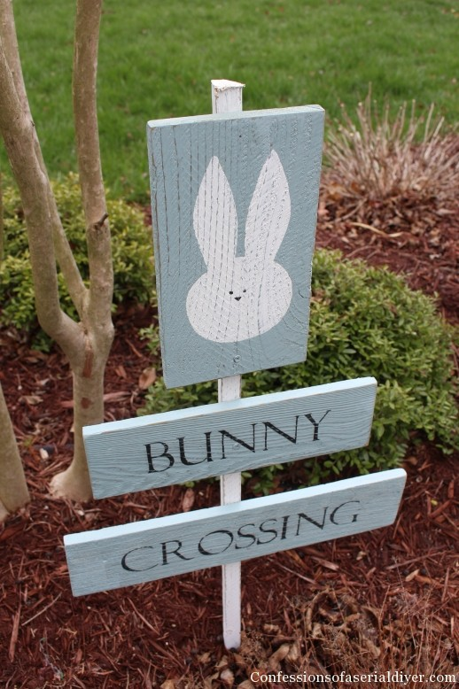 Bunny Crossing Sign from Fence Pickets from Confessions of a Serial Do It Yourselfer