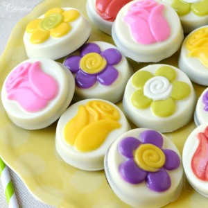 Groovy Candy Coated Oreos - bright, mod flowered candy Oreos perfect for spring or a 60's party! littlemisscelebration.com