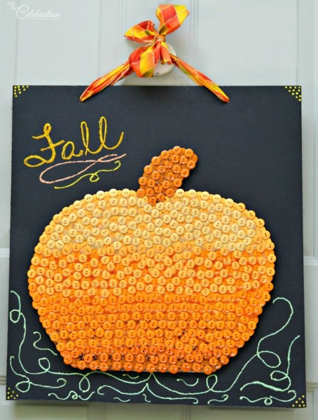 Welcome fall with something a little different on your front door! This Button Pumpkin Door Sign is big, bold & fun! At littlemisscelebration.com