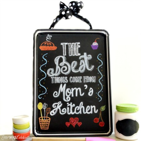 How FUN is this Cookie Sheet Chalkboard? Versachalk chalkboard contact paper & makers make it easy to create this great gift for Mom! at littlemisscelebration.com