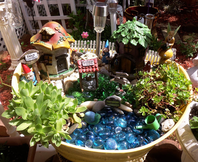 Gnome Fairy Garden Tub from Debbie-Dabble Blog